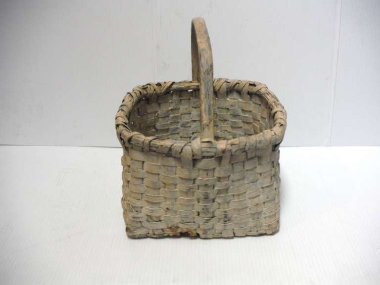 Country 19th Century Original Cream Painted Handmade Basket from New England For Sale