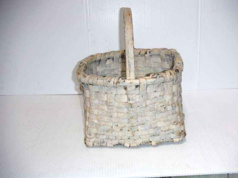 19th Century Original Cream Painted Handmade Basket from New England In Distressed Condition For Sale In Los Angeles, CA