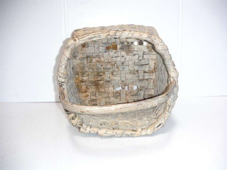 19th Century Original Cream Painted Handmade Basket from New England For Sale 1