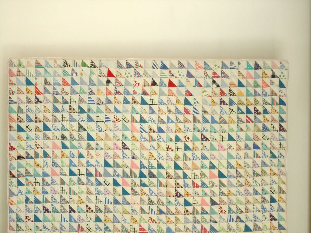 Mounted 1930s Mini Pieced Flying Geese Crib Quilt In Good Condition In Los Angeles, CA