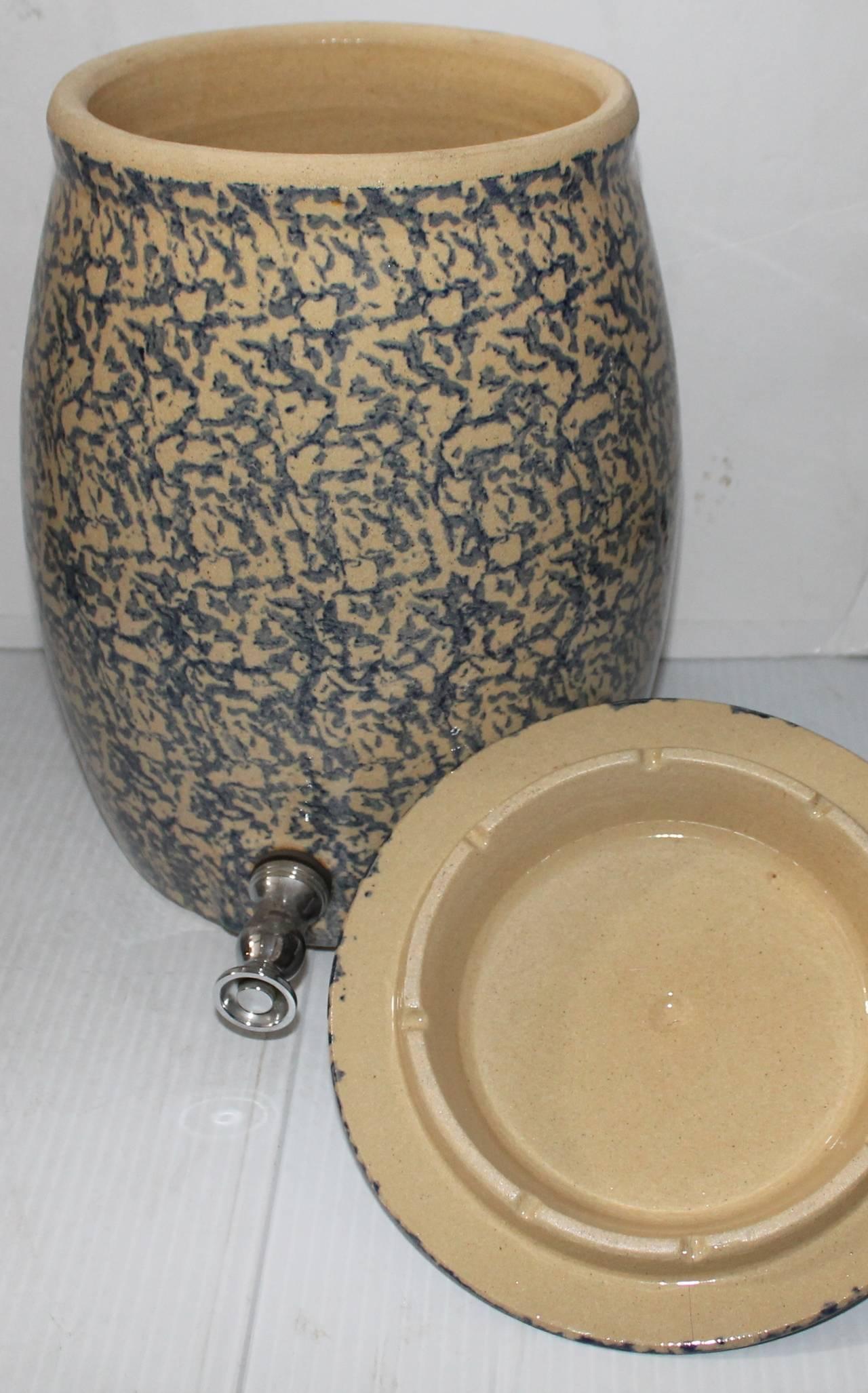 Folk Art 20th Century Ransbottom Spongeware Water Cooler For Sale