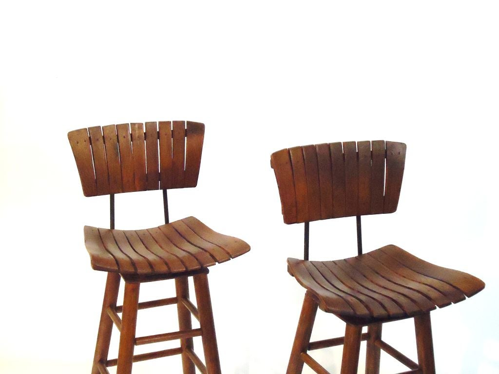 Pair Of Rustic Swivel Bar Stools With Backs at 1stdibs : 797113051494493 from 1stdibs.com size 1024 x 768 jpeg 61kB