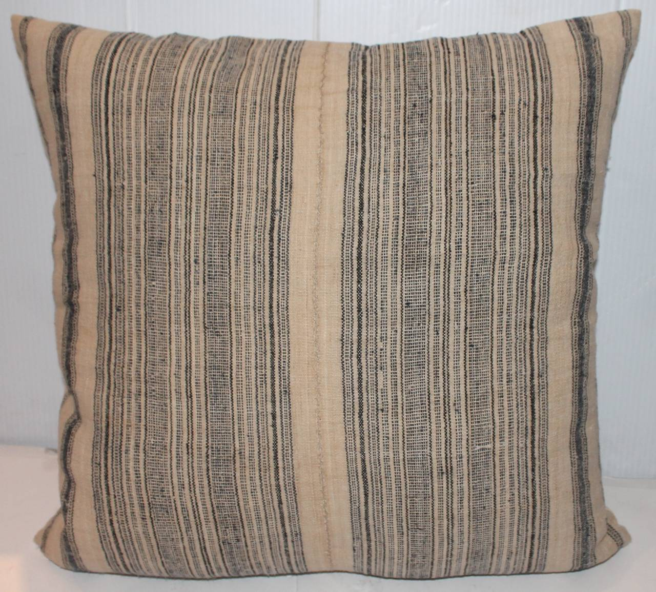 American 19th Century Pair of Blue and Cream Linen Ticking Pillows For Sale