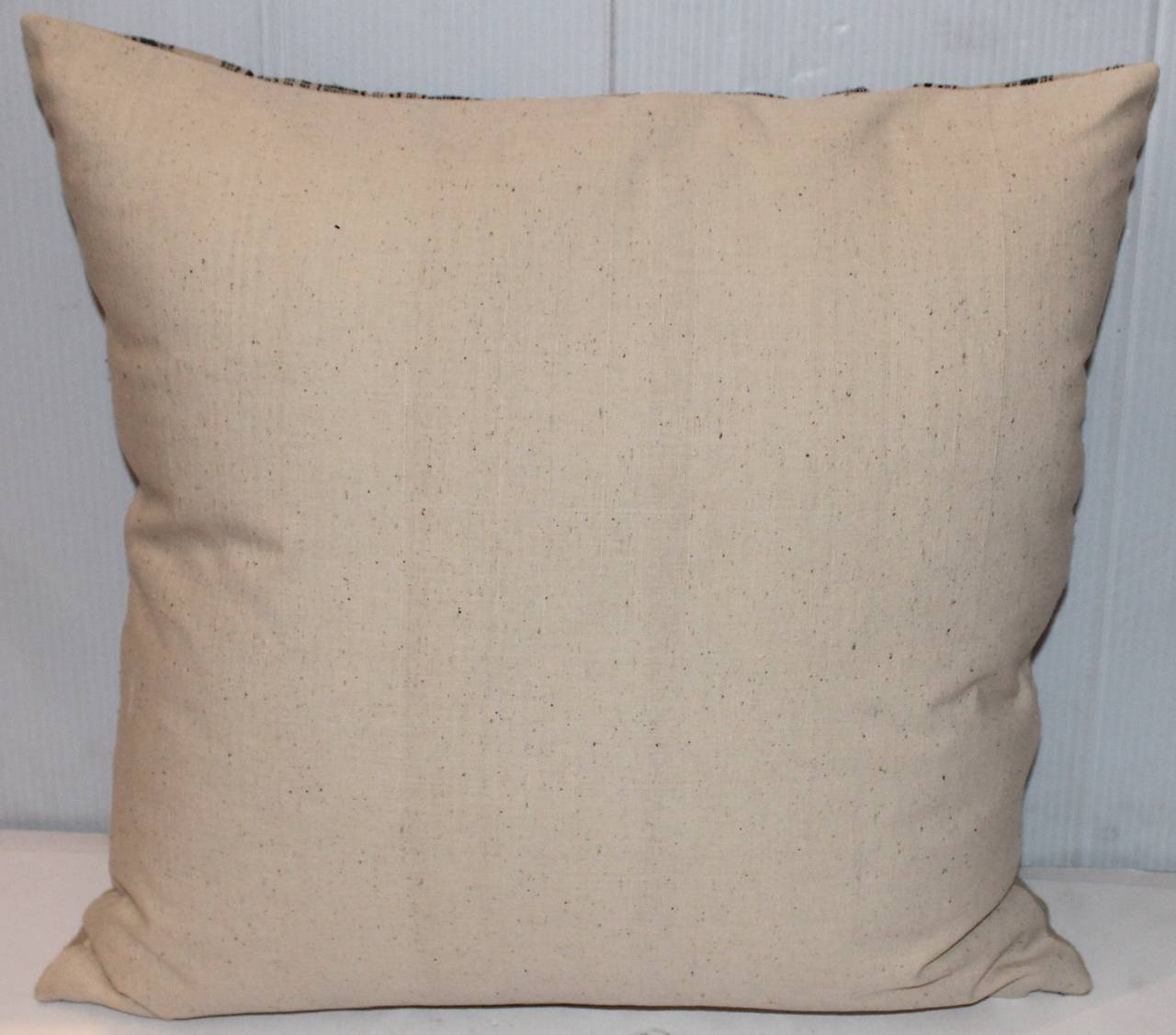 19th Century Pair of Blue and Cream Linen Ticking Pillows In Excellent Condition For Sale In Los Angeles, CA