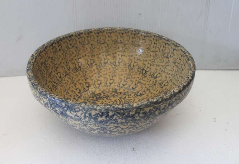 Monumental Sponge-Ware Pottery Mixing or Serving Bowl 4