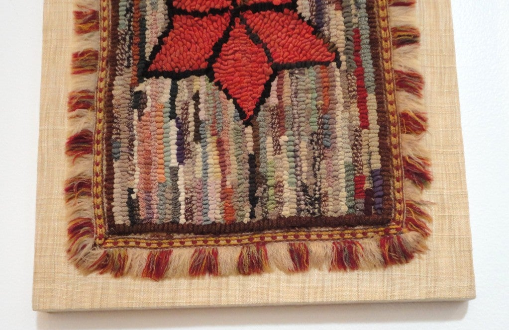 Fantastic Miniature Mounted 19th Century Hand-Hooked Rug on Board In Good Condition For Sale In Los Angeles, CA