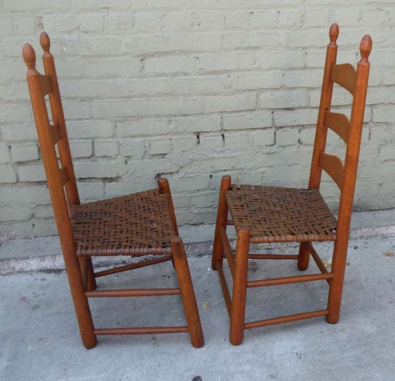 Pair Of Shaker Style Ladderback Chairs In Excellent Condition For Sale In Los  Angeles, CA