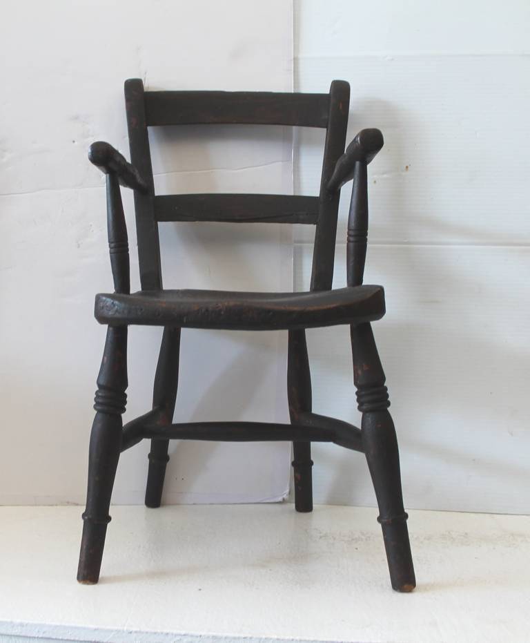 American Classical Early 19th Century Original Surface Child's Chair For Sale