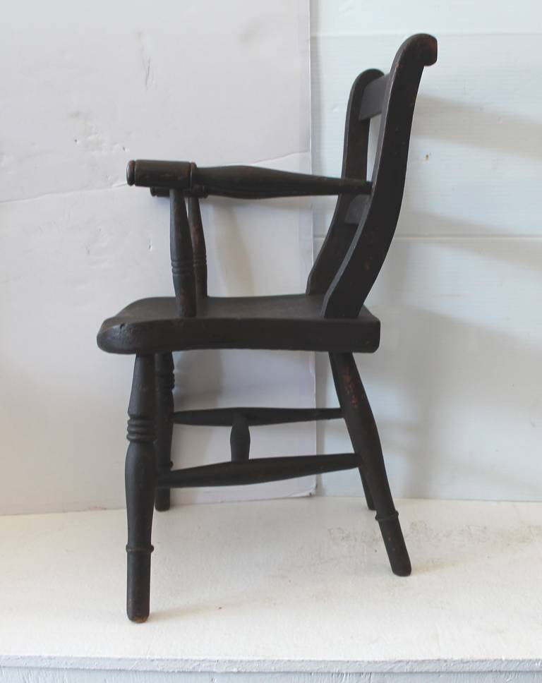 Early 19th Century Original Surface Child's Chair In Distressed Condition For Sale In Los Angeles, CA