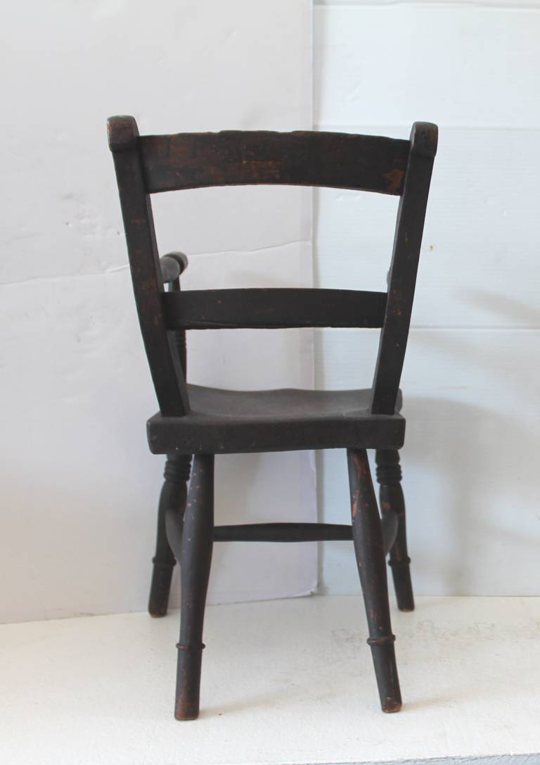 Pine Early 19th Century Original Surface Child's Chair For Sale