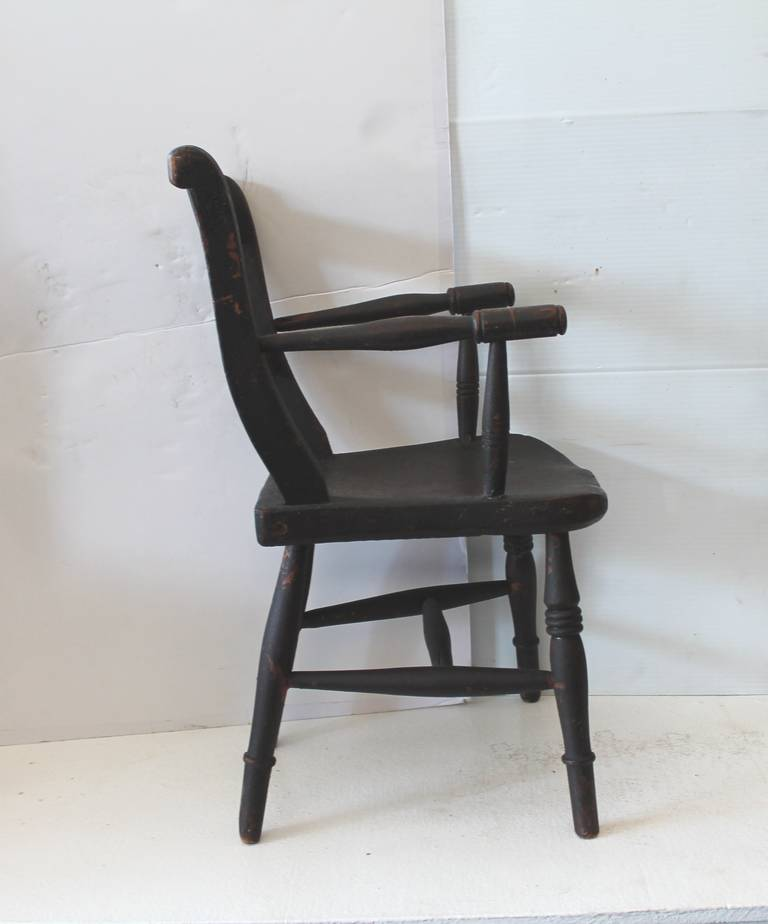 Early 19th Century Original Surface Child's Chair For Sale 1