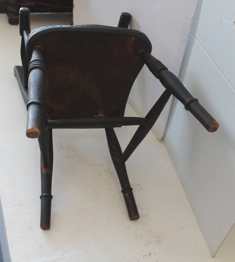 Early 19th Century Original Surface Child's Chair For Sale 2