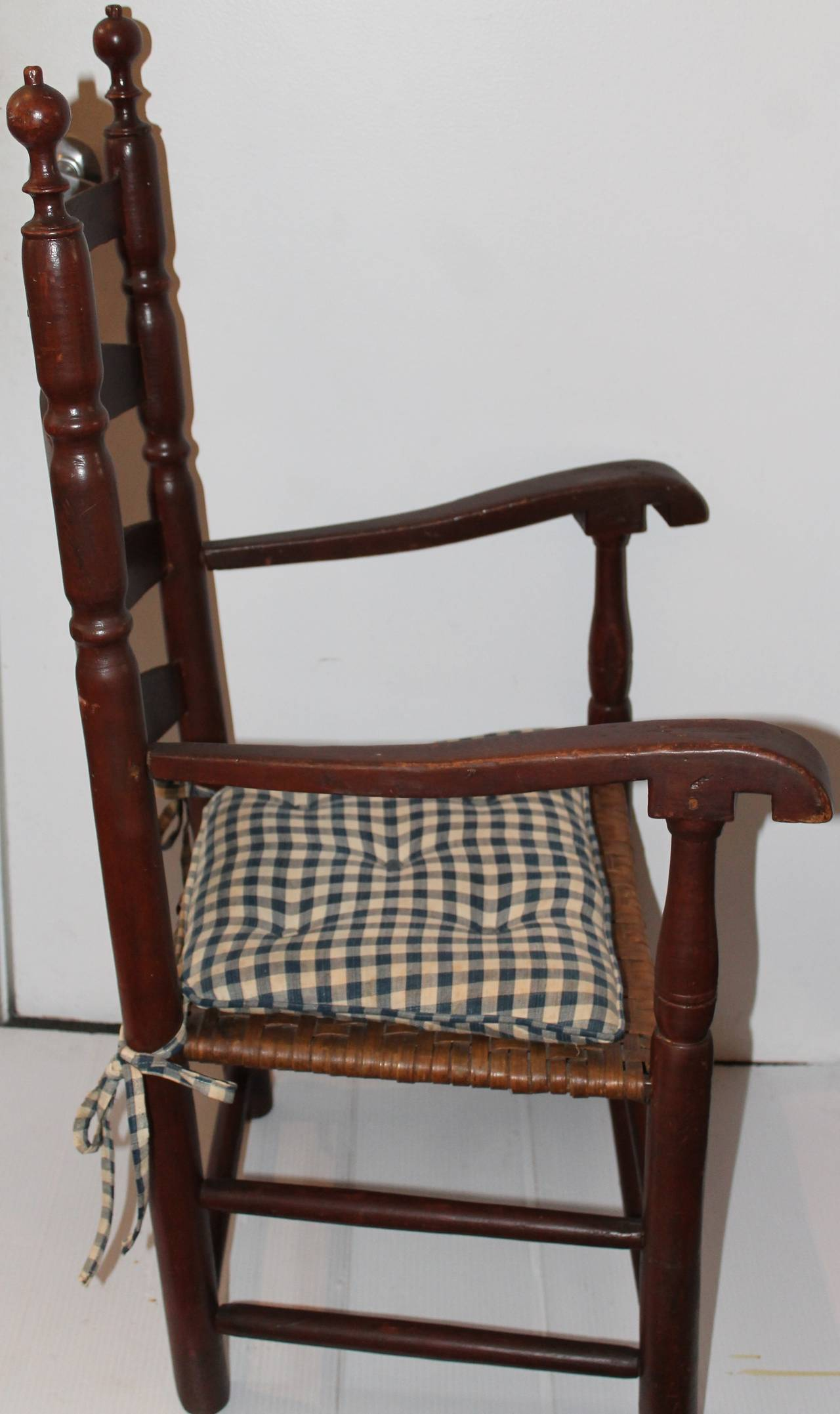 18th Century Original Painted Ladder Back Armchair In Excellent Condition For Sale In Los Angeles, CA