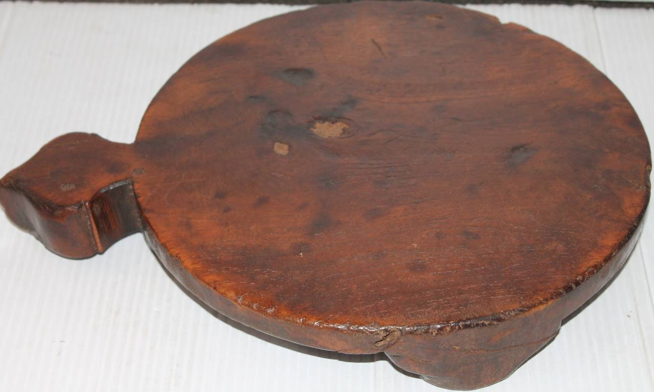 Early 19th Century Round Cutting Board On Feet At 1stdibs
