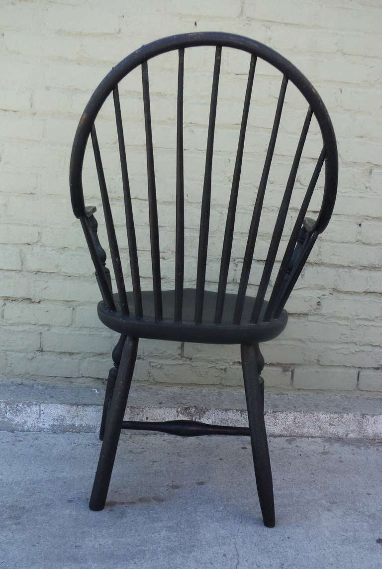 Pine 18th c. Continuous Arm - Bow Back  Windsor Armchair For Sale