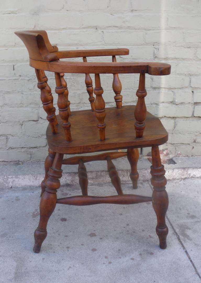 19th Century English Pub Chair with Exceptional Untouched Surface For Sale 1