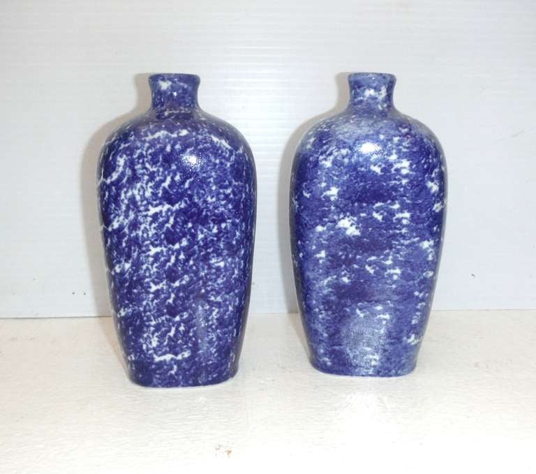 Pair of 19th Century Sponge Ware Vases/Bottles In Excellent Condition For Sale In Los Angeles, CA