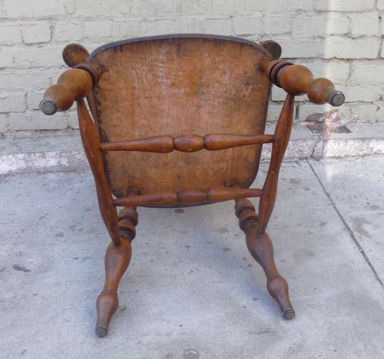 19th Century English Pub Chair with Exceptional Untouched Surface For Sale 2