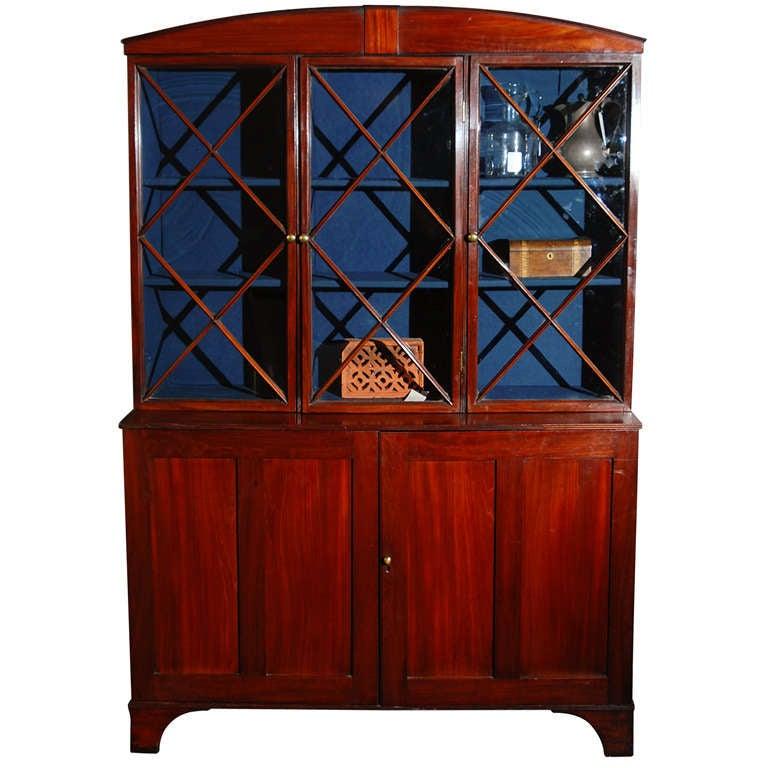 1780s English Hepplewhite Mahogany Bookcase