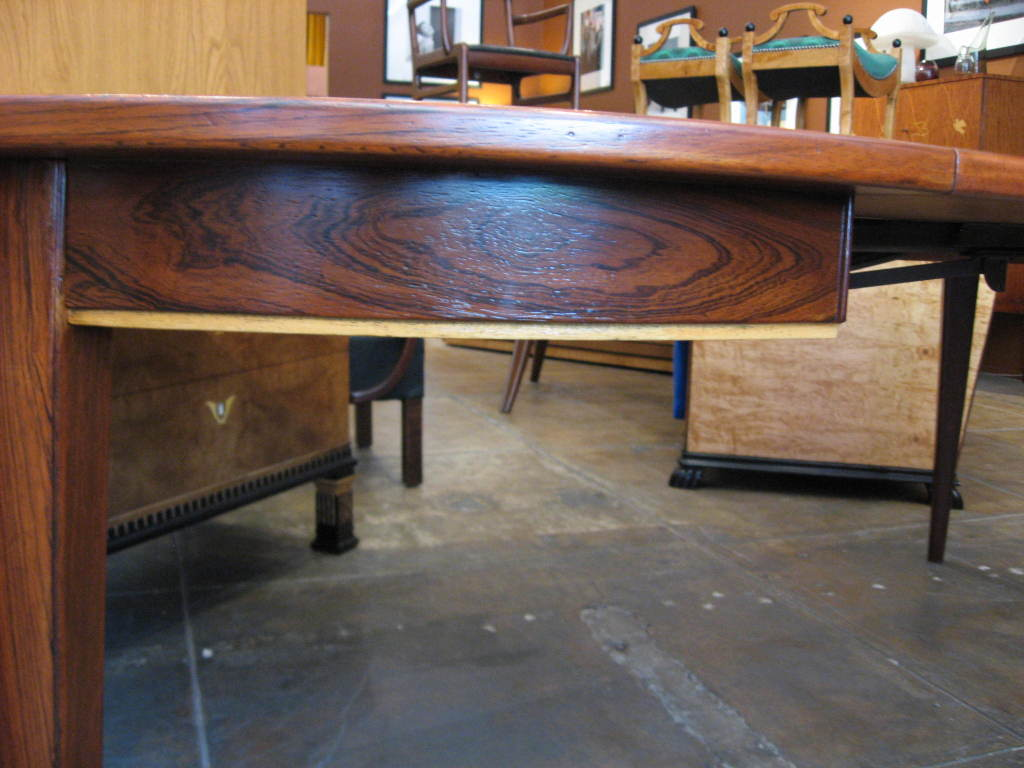 Danish Mid-Century Modern Extendable Rosewood Dining Table 1