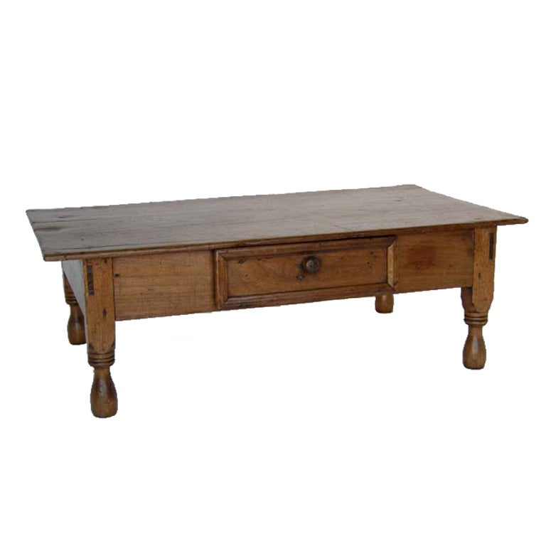 Antique one wide plank coffee table at 1stdibs for Coffee tables 30cm wide