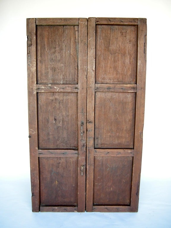 Guatemalan Pair of 19th Century Antique Wooden Doors For Sale - Pair Of 19th Century Antique Wooden Doors For Sale At 1stdibs