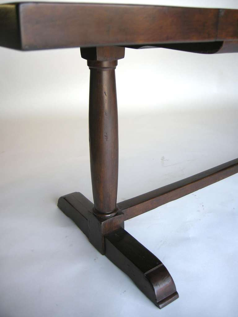 Custom Walnut Wood Table with Wishbone Stretcher by Dos Gallos Studio In Excellent Condition For Sale In Los Angeles, CA