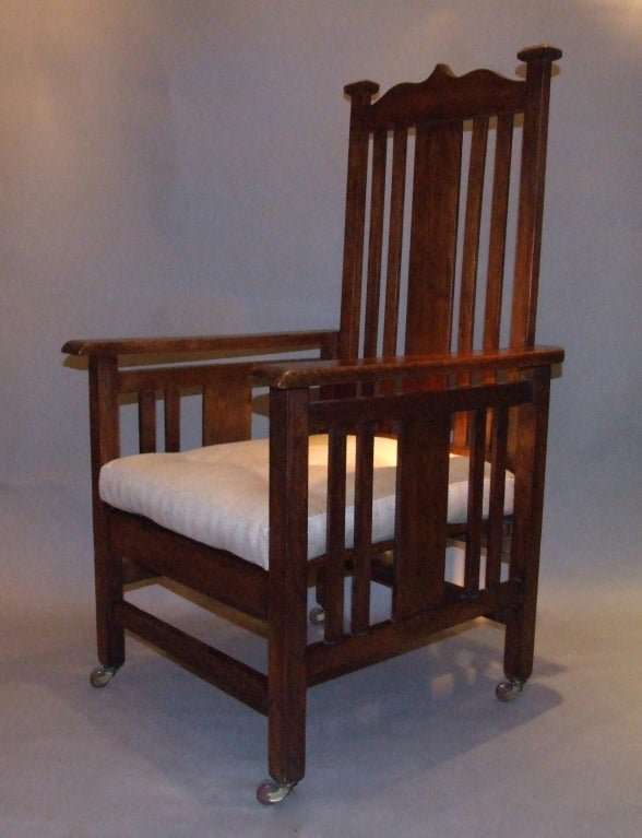English Arts and Crafts Oak Armchair In Good Condition For Sale In New York, NY