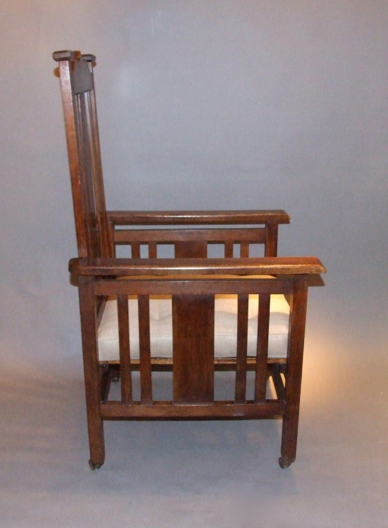 English Arts and Crafts Oak Armchair For Sale 1