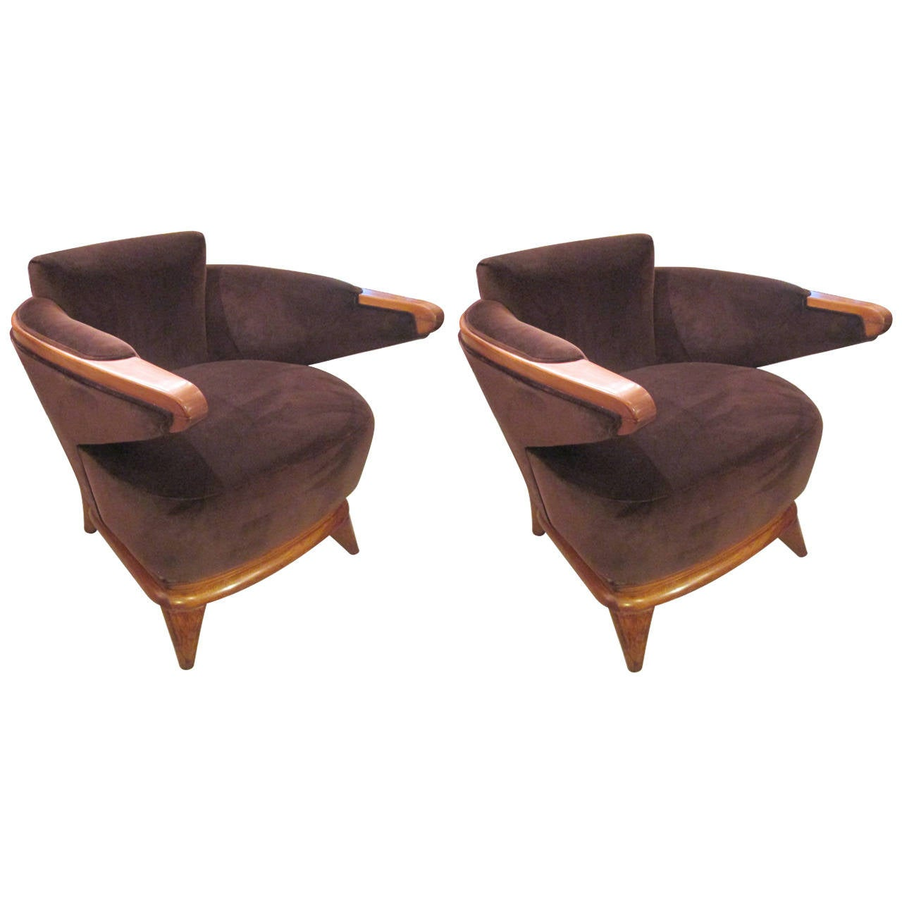 Pair of Sculptural Mid-Century Lounge Chairs with Cantilevered Arms For Sale