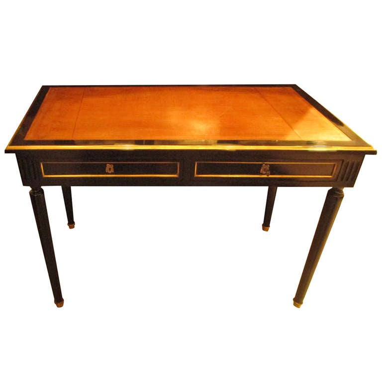 directoire style leather top bureau plat desk on tapered legs at 1stdibs. Black Bedroom Furniture Sets. Home Design Ideas