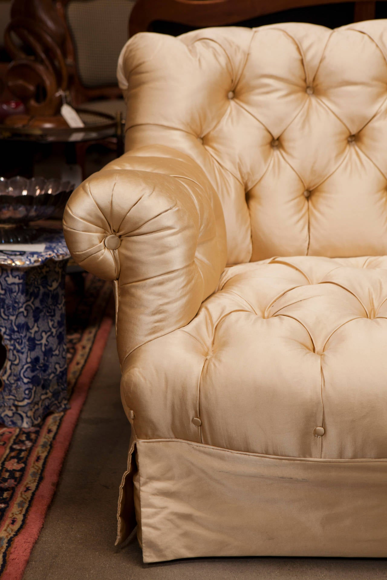 American 19th Century Victorian Settee For Sale