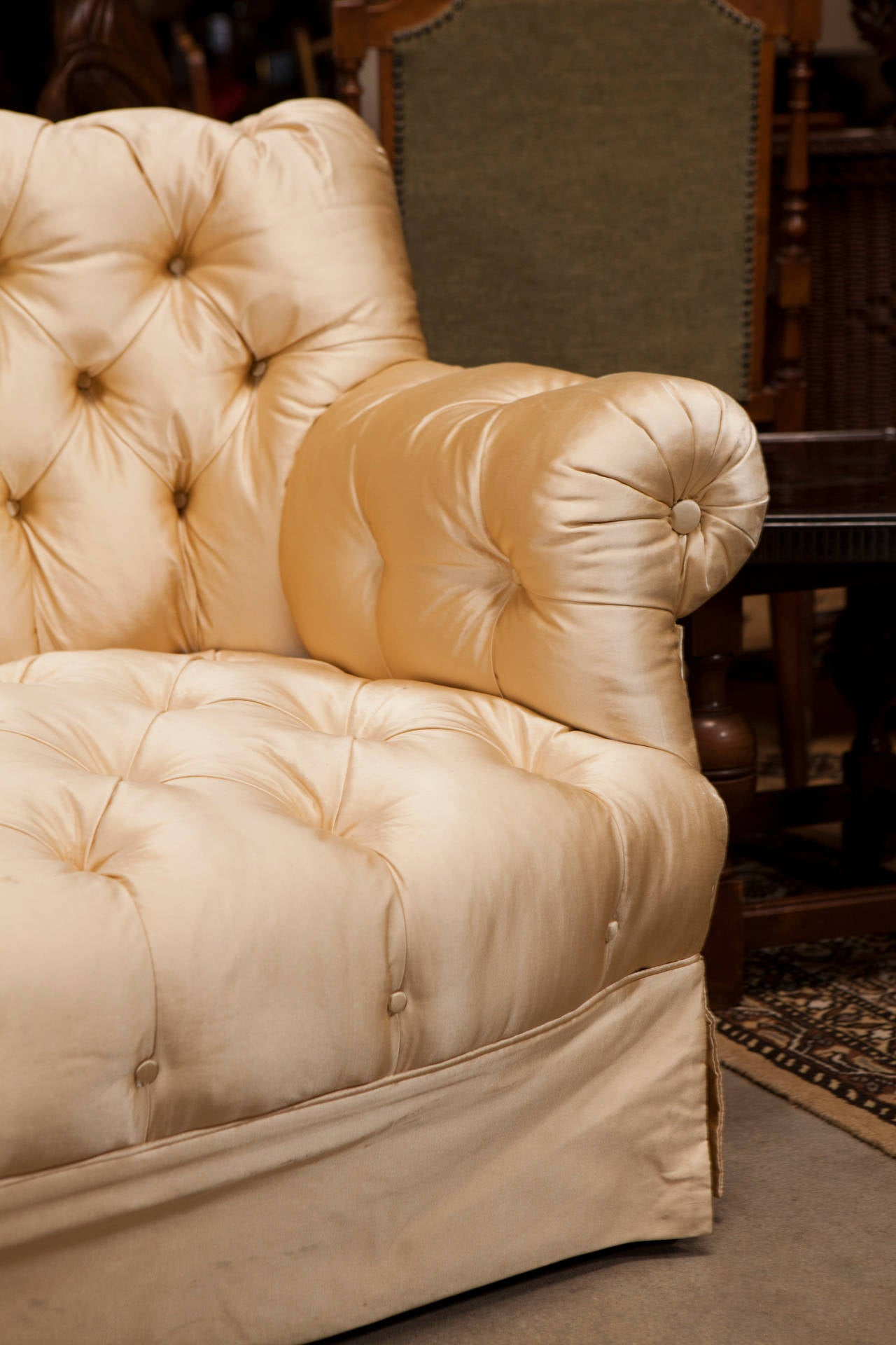 19th Century Victorian Settee In Good Condition For Sale In Culver City, CA
