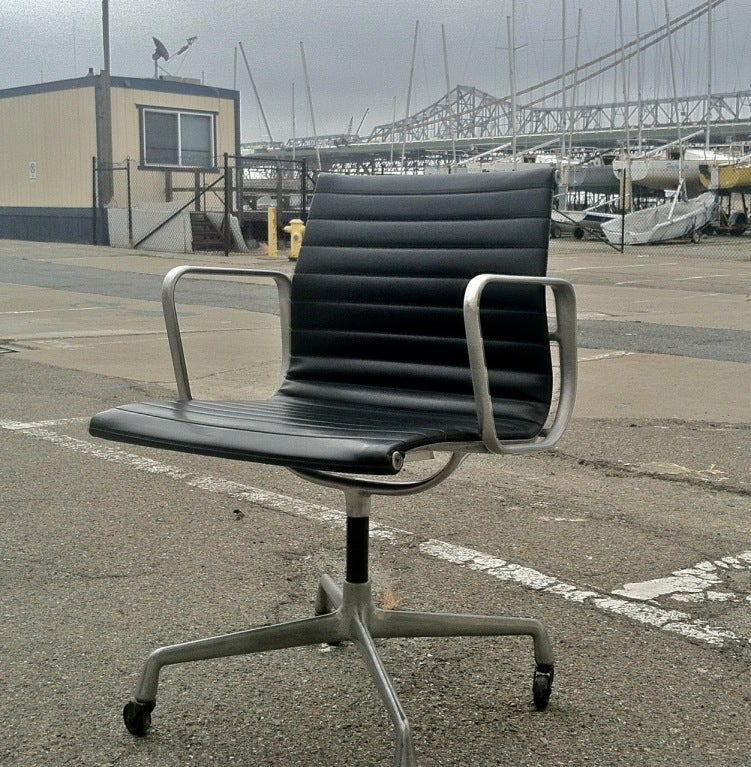 Vintage eames aluminum group chair for herman miller 1958 at 1stdibs - Vintage herman miller ...
