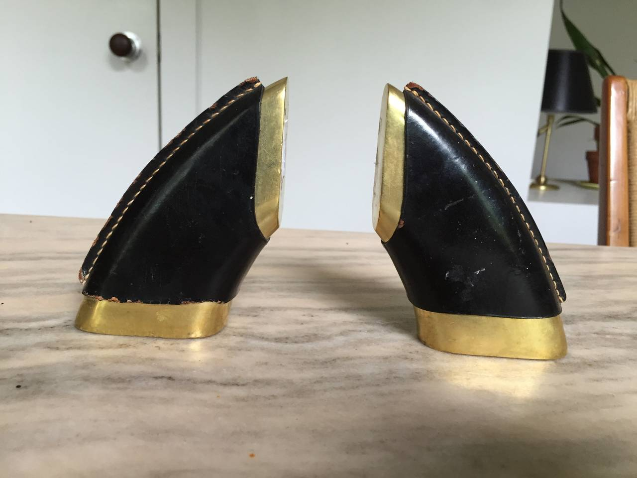 Mid-20th Century Vintage Pair of Carl Auböck Bronze and Leather Bookends For Sale