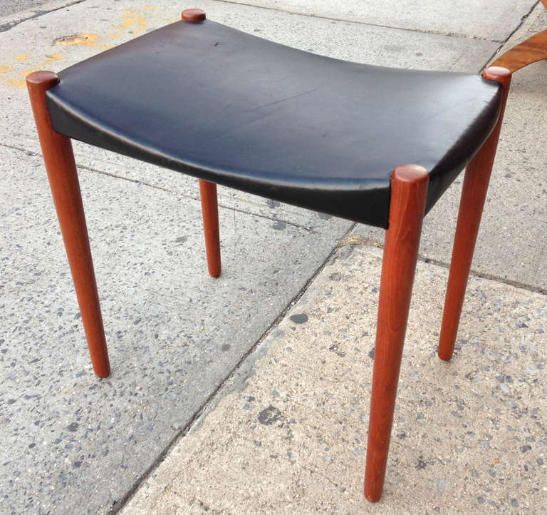 Handsome sidechair-height stool built by master cabinetmaker Willy Beck.  Original leather is in fine original condition. Metal tag to underside