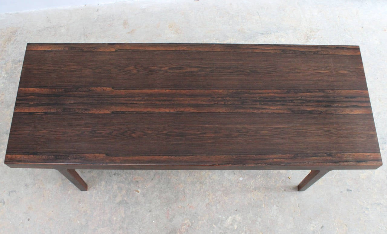 Danish Rosewood Coffee Table In Excellent Condition For Sale In Southampton, NY