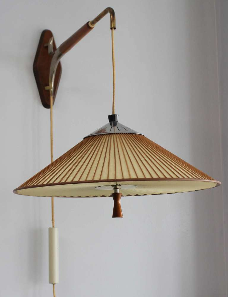 Wall Mounted Cantilever Lamp : Gerald Thurston Lightolier Cantilever Wall Lamp at 1stdibs