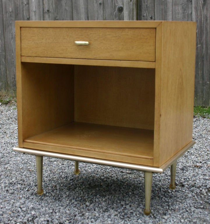 this pair modern mahogany nightstands is no longer available