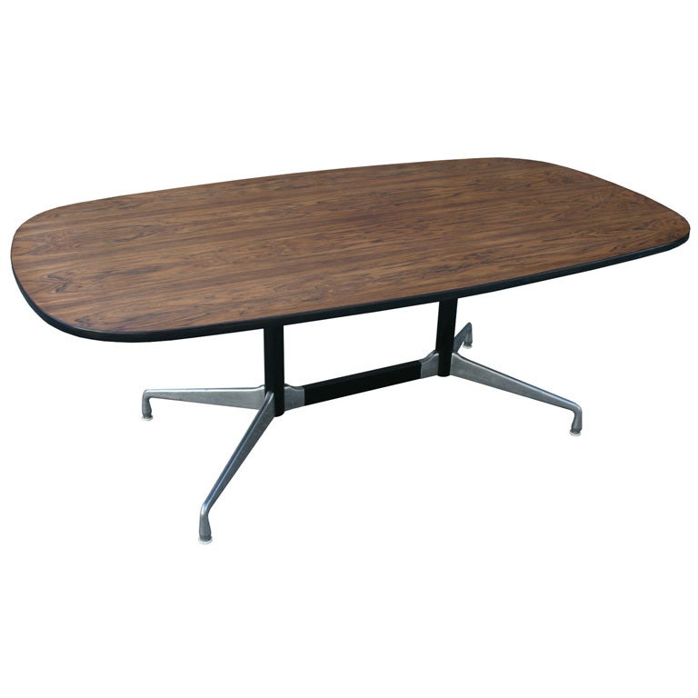 Eames aluminum group table for sale at 1stdibs for Table ronde charles eames