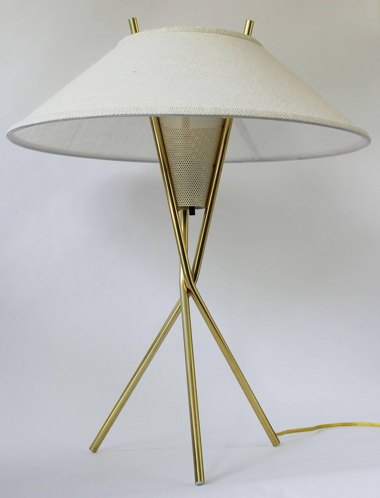 Pair gerald thurston tripod lamps at 1stdibs pair gerald thurston tripod lamps 2 geotapseo Image collections