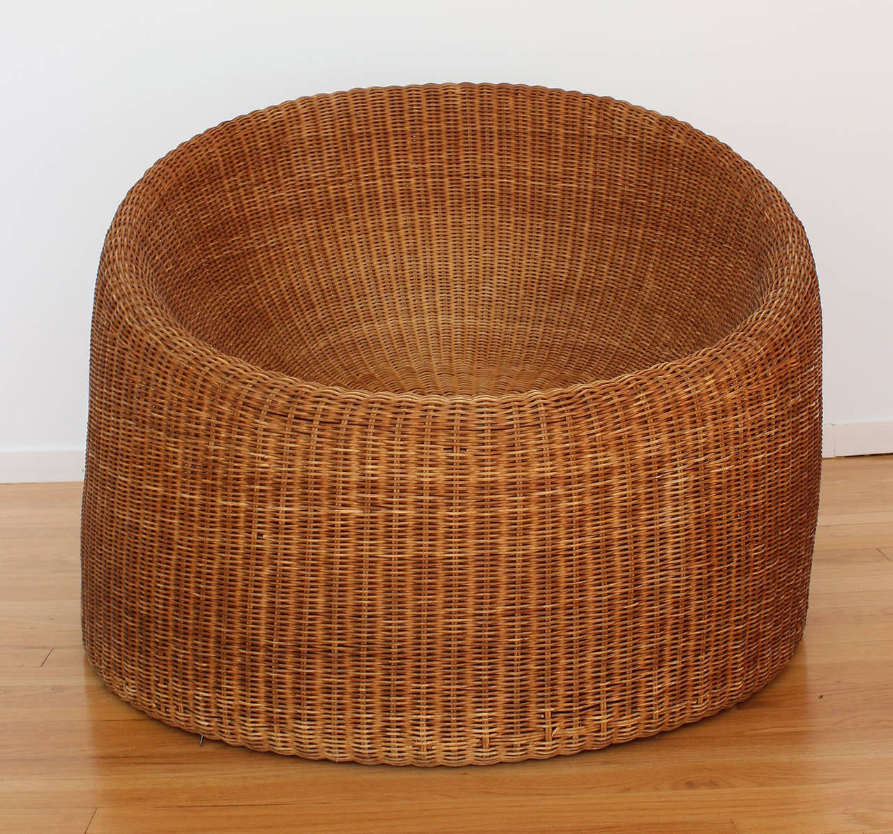 Mid-Century Modern Eero Aarnio Rattan Chair For Sale