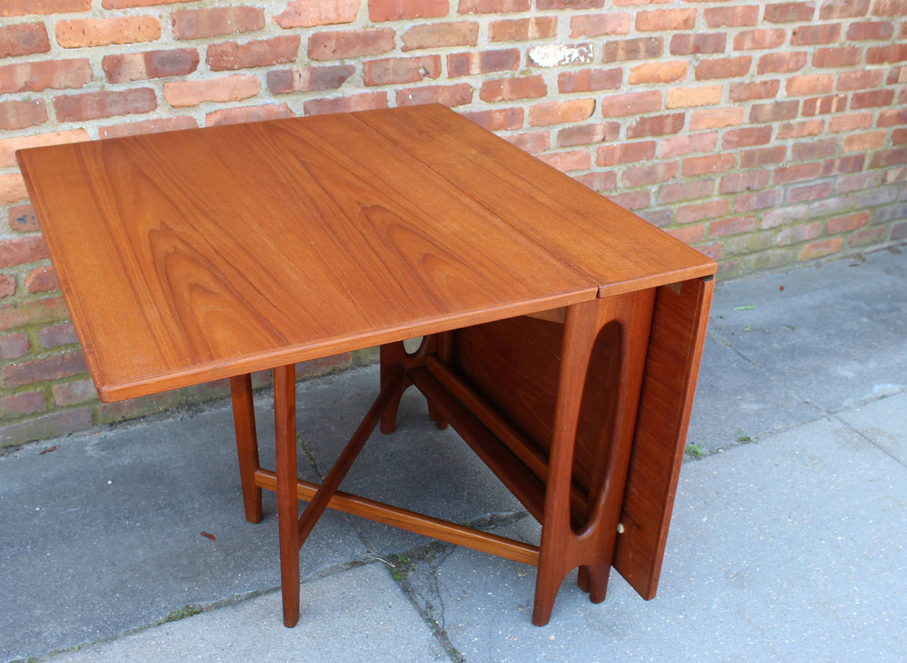 Norwegian Drop Leaf Dining Table at 1stdibs : oneleafopenl from www.1stdibs.com size 1280 x 936 jpeg 168kB