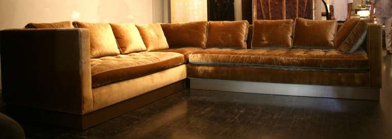 Custom Gold Silk-Velvet Sectional Sofa, USA 2000 In Good Condition For Sale In New York, NY
