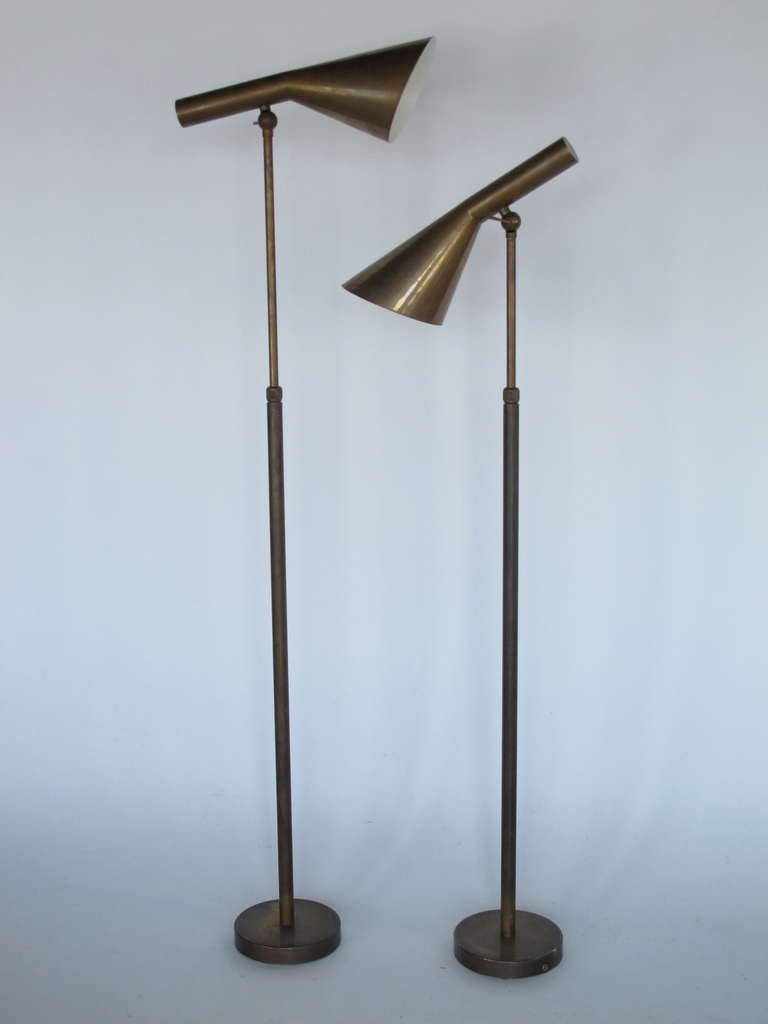 a pair of unusual italian floor lamps for sale at 1stdibs. Black Bedroom Furniture Sets. Home Design Ideas