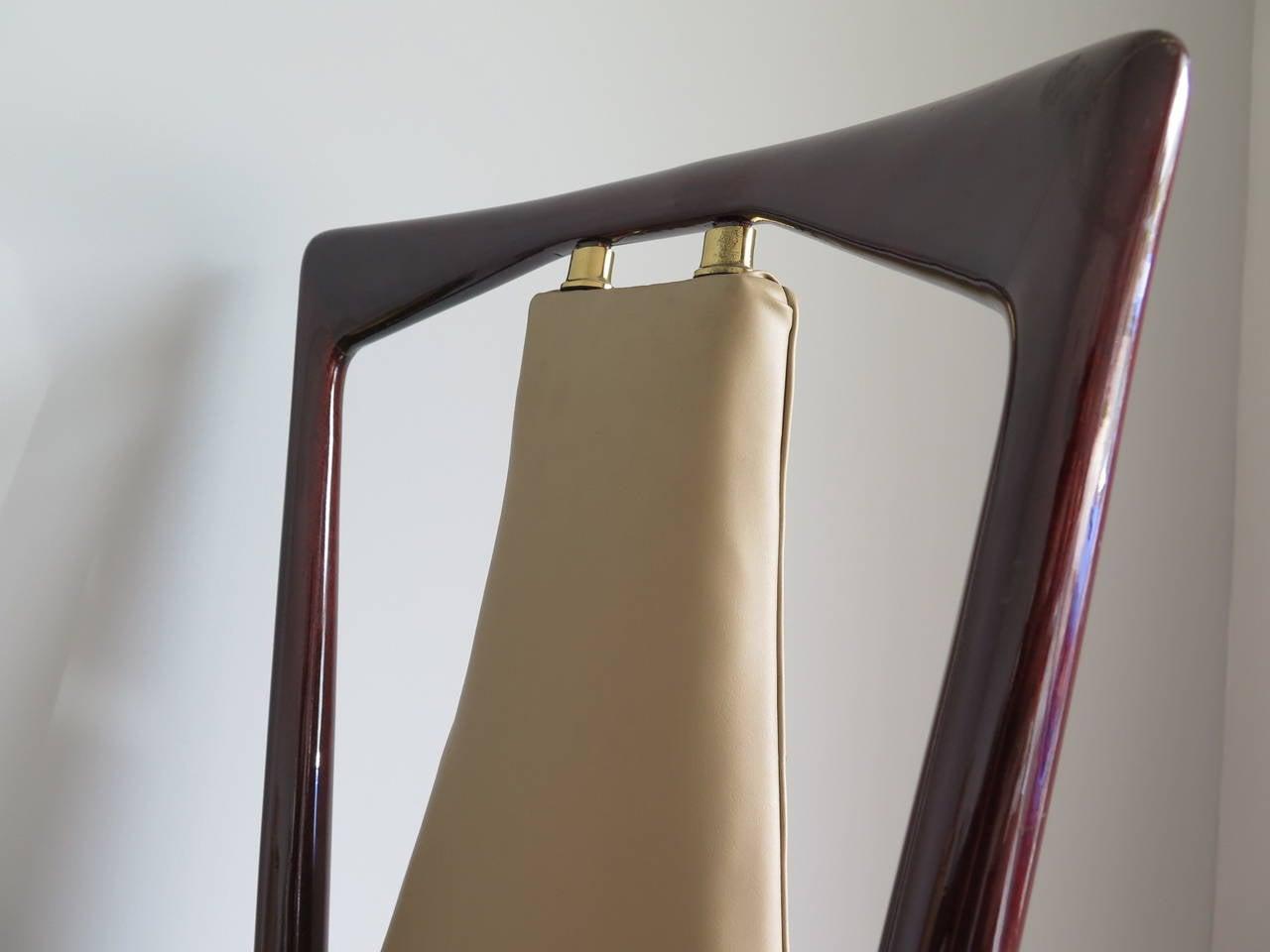 Modern Set of 12 Elegant Chairs in the style of Osvaldo Borsani For Sale