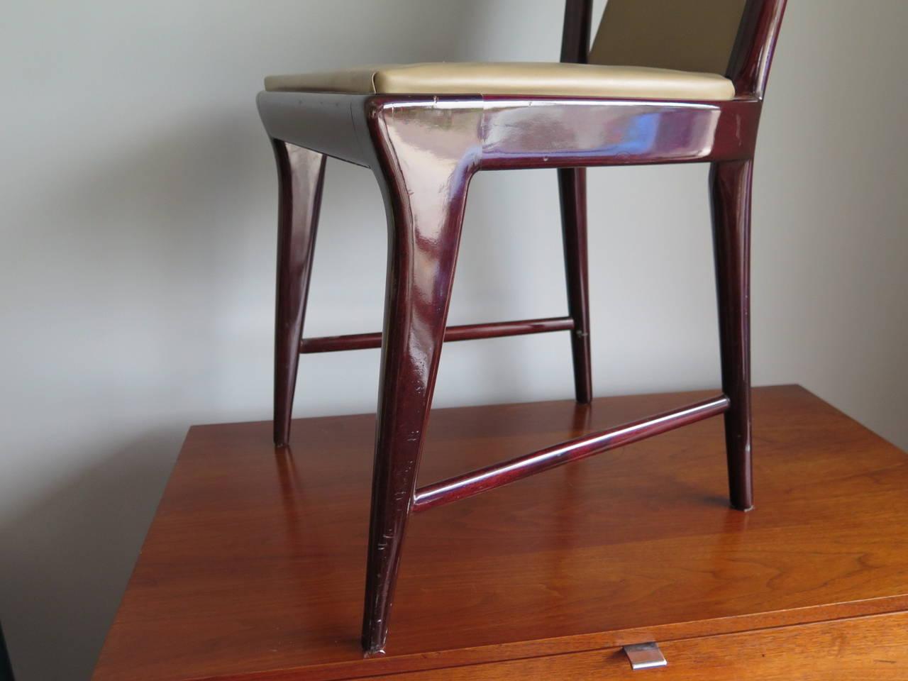 Italian Set of 12 Elegant Chairs in the style of Osvaldo Borsani For Sale
