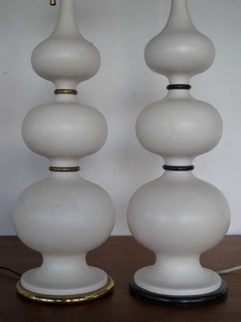 gerald thurston lightolier ceramic gourd lamps for sale at 1stdibs. Black Bedroom Furniture Sets. Home Design Ideas