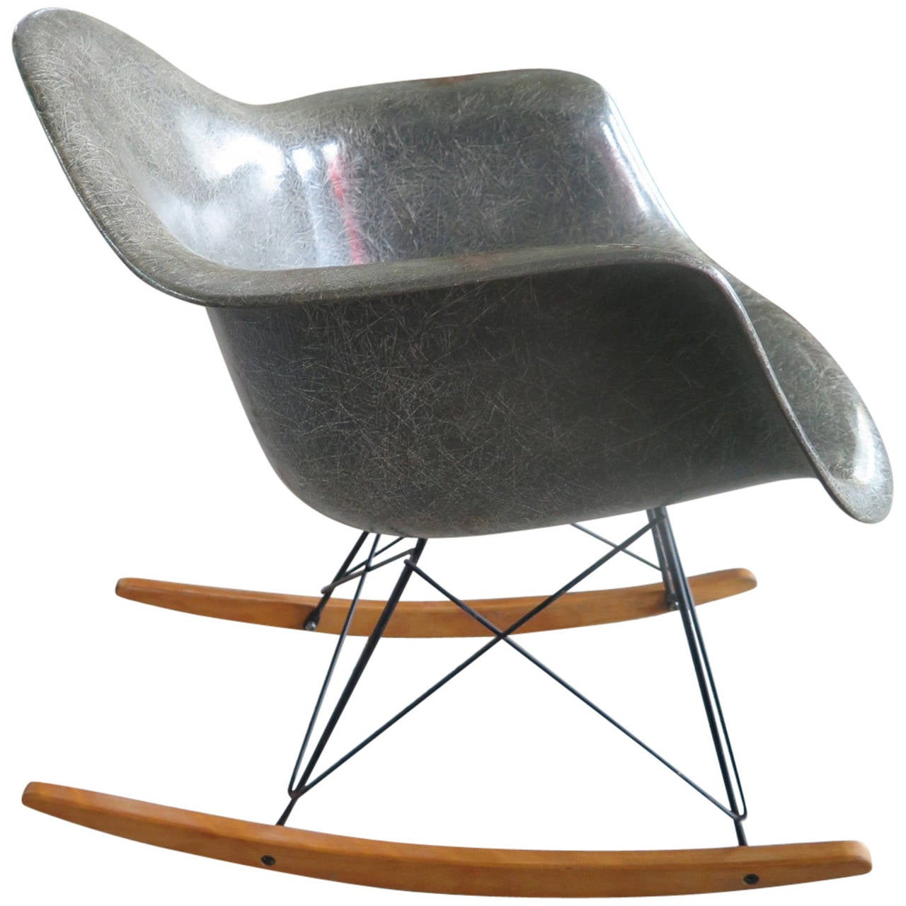 charles eames rocking chair rar early production zenith for sale at 1stdibs. Black Bedroom Furniture Sets. Home Design Ideas