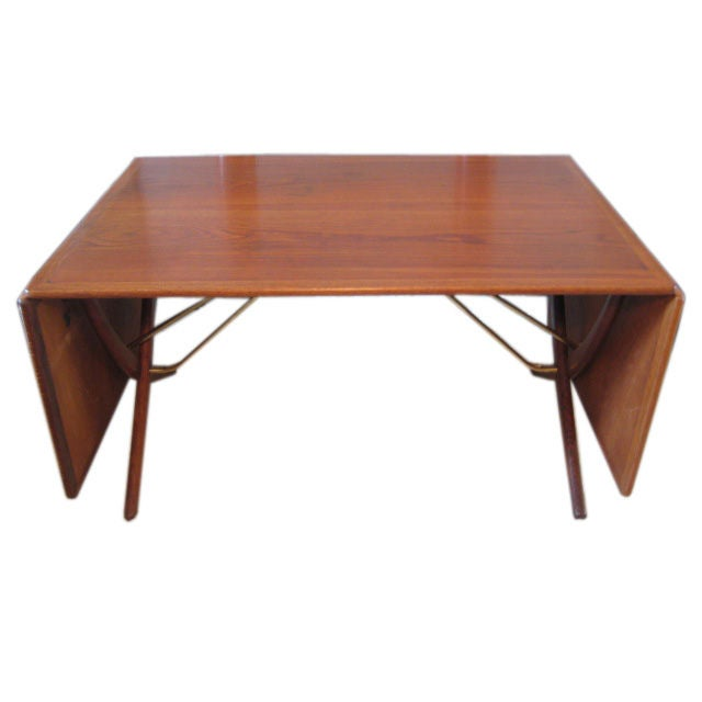 Hans Wegner Dining Table With Drop Down Leaves In Teak At